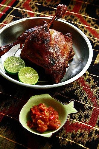 Hướng dẫn cách làm vịt nướng kiểu Indonesia