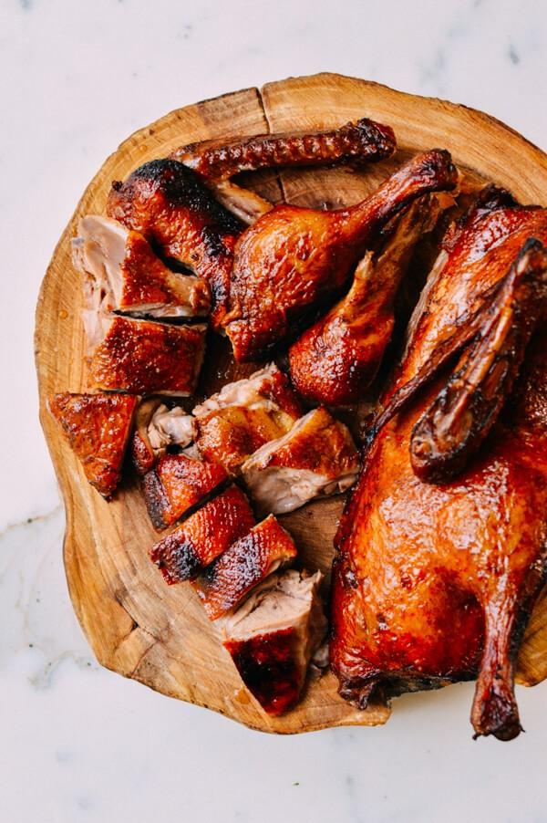 Hướng dẫn cách làm vịt quay ngon cho bữa ăn gia đình