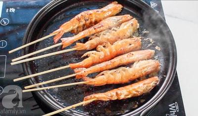 Làm món tôm nướng kiểu Thái đang hot bằng chảo?
