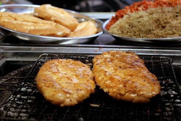 Đến Sài Gòn, nhớ ăn 6 món nướng than dễ gây nghiện này