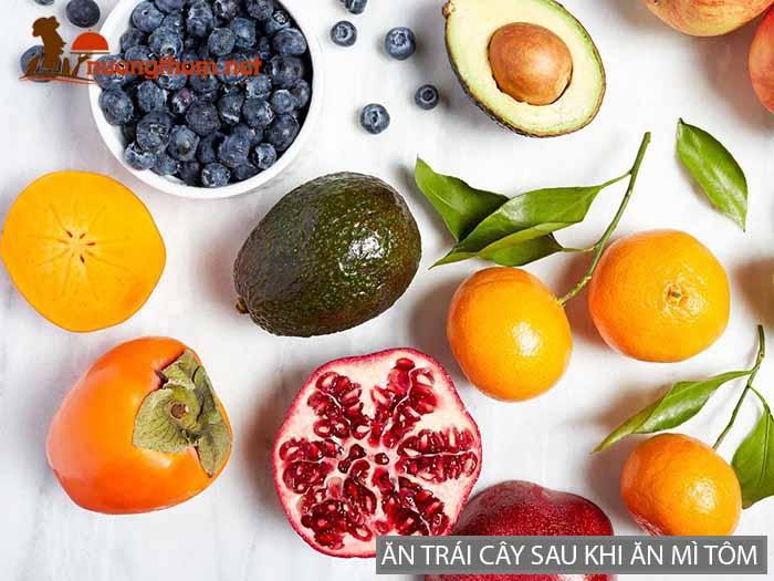 Ăn trái cây sau khi ăn mì tôm giúp bù sự thiếu hụt vitamin và khoáng chất
