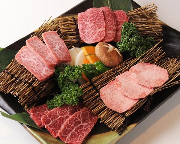 Nét độc đáo của đồ nướng Yakiniku nổi tiếng của Nhật Bản