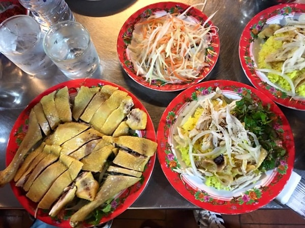 Điểm danh 10 quán gà ngon, đông khách ở Hà Nội