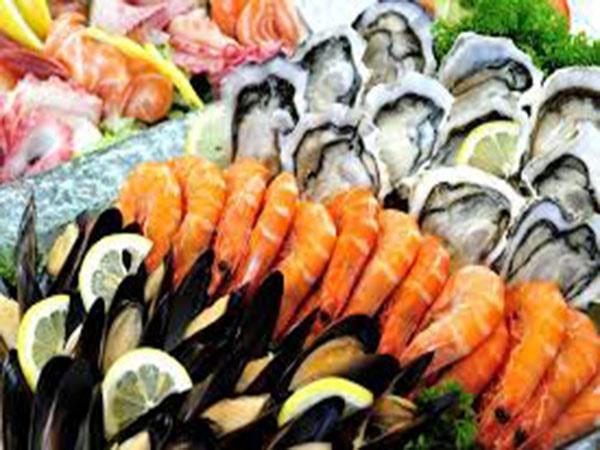 Những điều cấm kỵ khi ăn hải sản trong chuyến du lịch