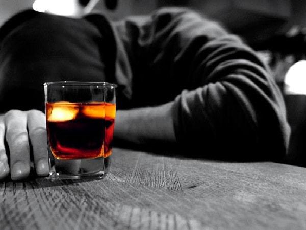 bệnh hoang tưởng ở người nghiện rượu 1