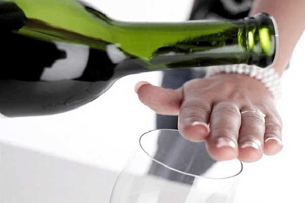 bệnh hoang tưởng ở người nghiện rượu 2