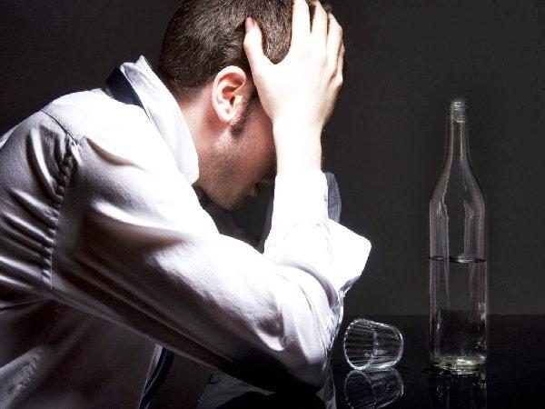 bệnh hoang tưởng ở người nghiện rượu