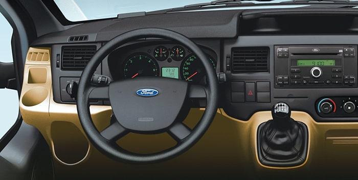 Dòng xe Ford Transit được nhà sản xuất trang bị động cơ vô cùng bền bỉ