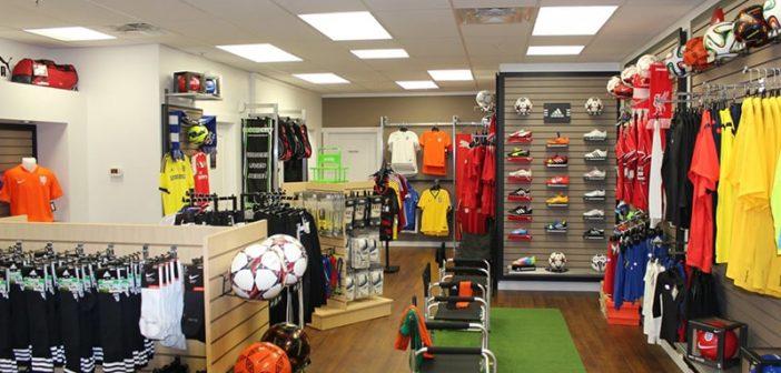 Mách bạn mẹo mở shop quần áo bóng đá không logo tại TPHCM